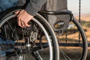 wheelchair-749985_1920-300x200 Os Métodos de Três Agulhas que ajudam na Esclerose Múltipla