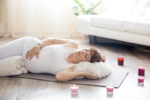 TOP-300x200 Posições de Yoga para mamães